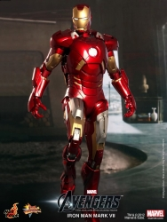 Hot Toys - 1/6th scale The Avengers Iron Man Mark VII Limited Edition Collectible Figure