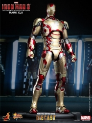 Hot Toys - 1/6 Scale Iron Man 3 - Mark XLII Collectible Figure