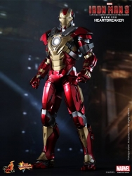 Hot Toys - 1/6 Scale Iron Man 3 - Heartbreaker (Mark XVII) Collectible Figure