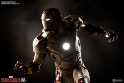Sideshow - Marvel Comics - Iron Man Mark 42 Maquette Statue