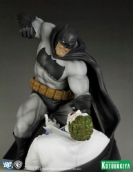 Kotobukiya - ArtFX Dark Knight Returns Batman Vs Joker Statue