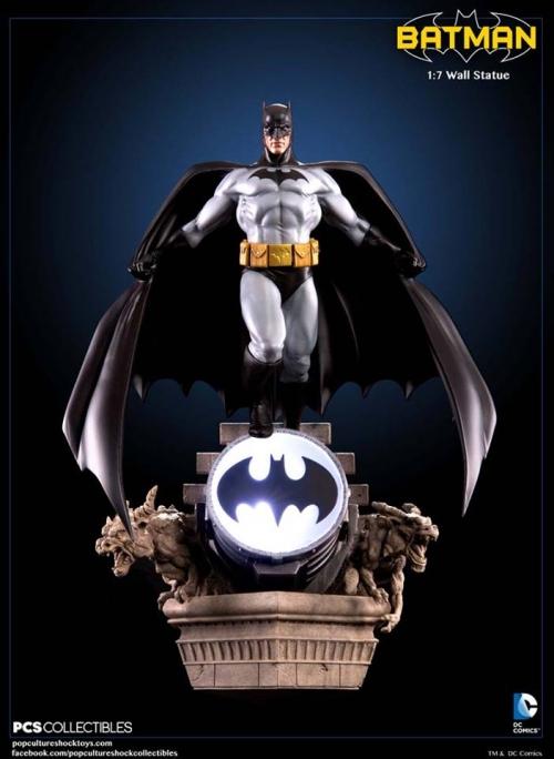 Pop Culture Shock Dc Comics Batman Wall Statue