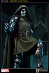 Sideshow - Marvel Comics - Doctor Doom Legendary Scale(TM) Figure