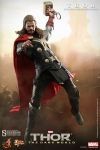 Hot Toys - 1/6 Scale Thor The Dark World - Thor Collectible Figure