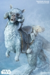 Sideshow - Star Wars 1/6 Scale Tauntaun Deluxe Action Figure