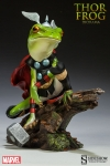 Sideshow - Marvel Collectibles - Thor Frog Diorama Statue