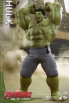 Hot Toys - 1/6 Scale Avengers Age of Ultron - Hulk Deluxe Set Collectible Figure