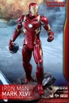 Hot Toys - 1/6 Scale Captain America Civil War - Iron Man Mark XLVI Collectible Figure