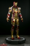 Sideshow - Marvel Collectibles - Iron Man Mark 42 Life-Size Figure
